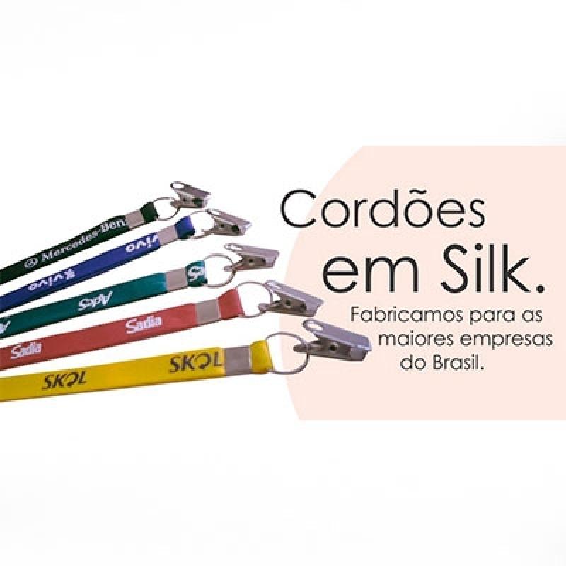 Cordão para Crachá em Silk Jardim Leonor - Cordão Poliéster para Crachá